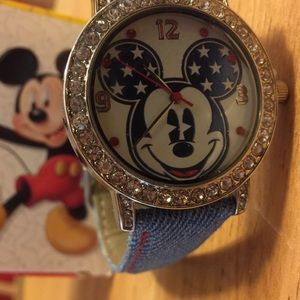 Minnie Mouse Stars and Stripes Wrist Watch
